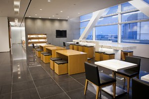 cathay opens SFO lounge