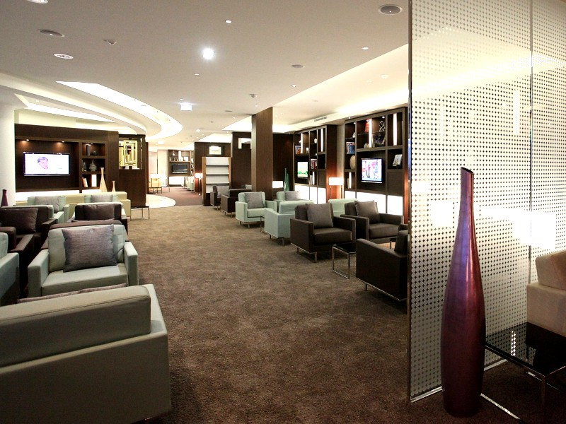 etihad paris lounge opens