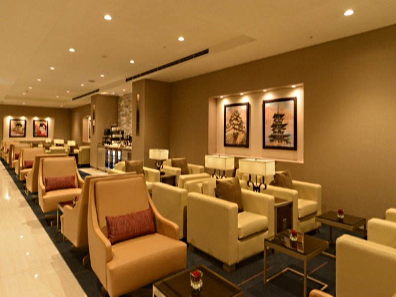 emirates tokyo lounge opens