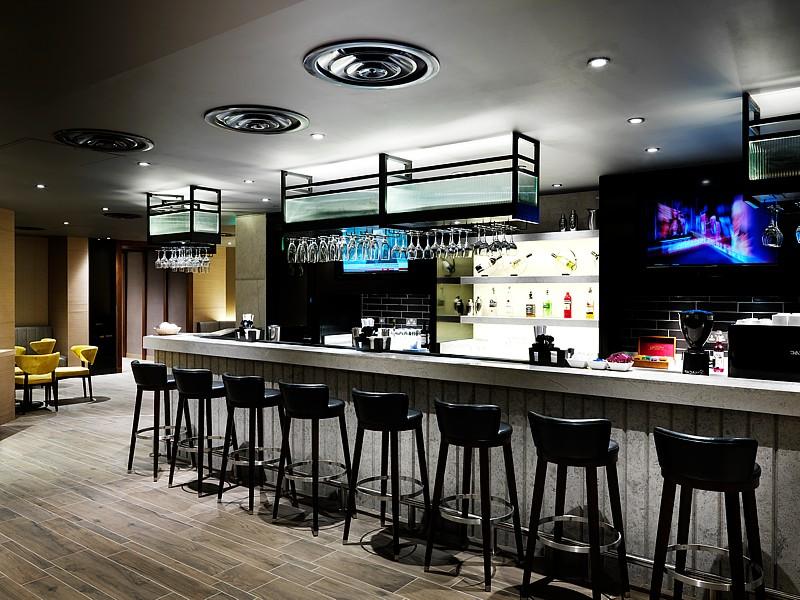 heathrow terminal4 plaza lounge