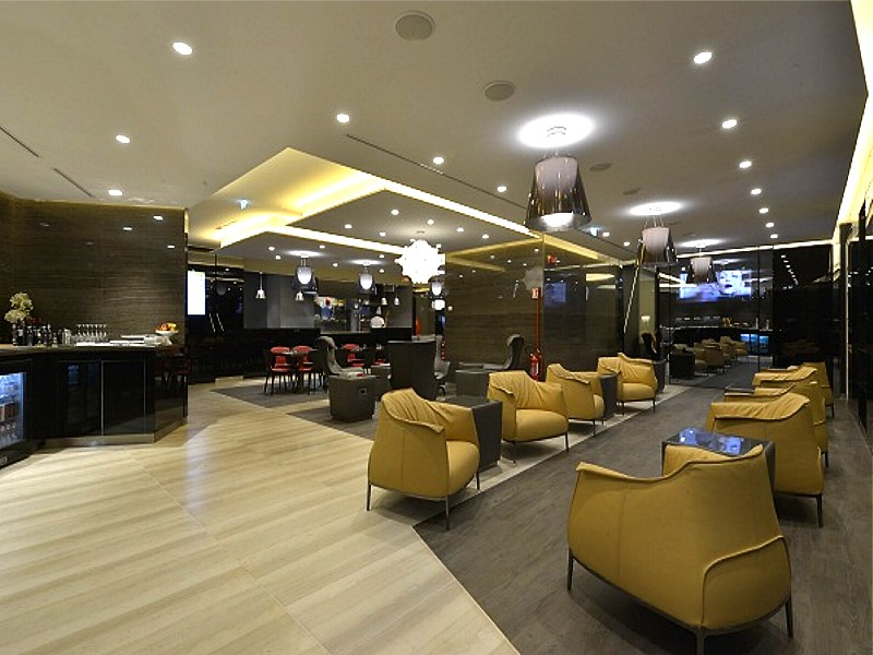 Rome and milan alitalia lounges open for Case vip roma