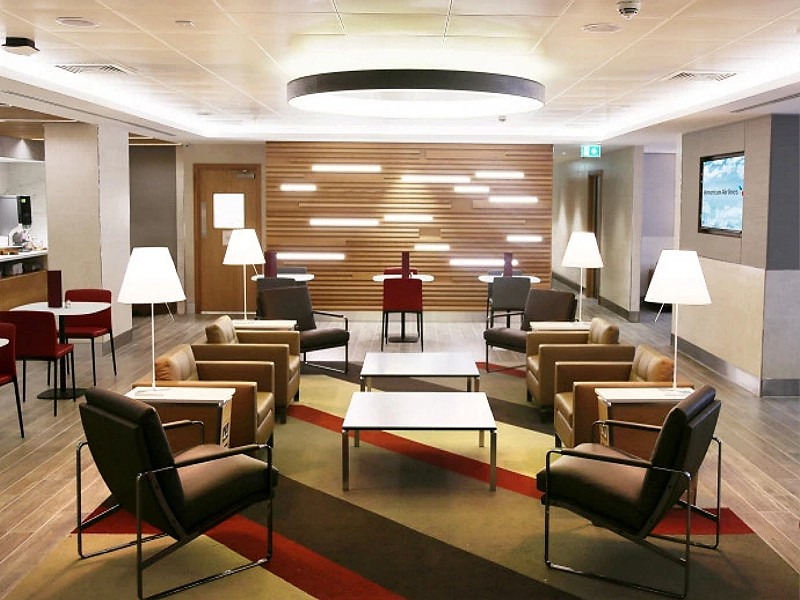 american airlines arrivals lounge heathrow