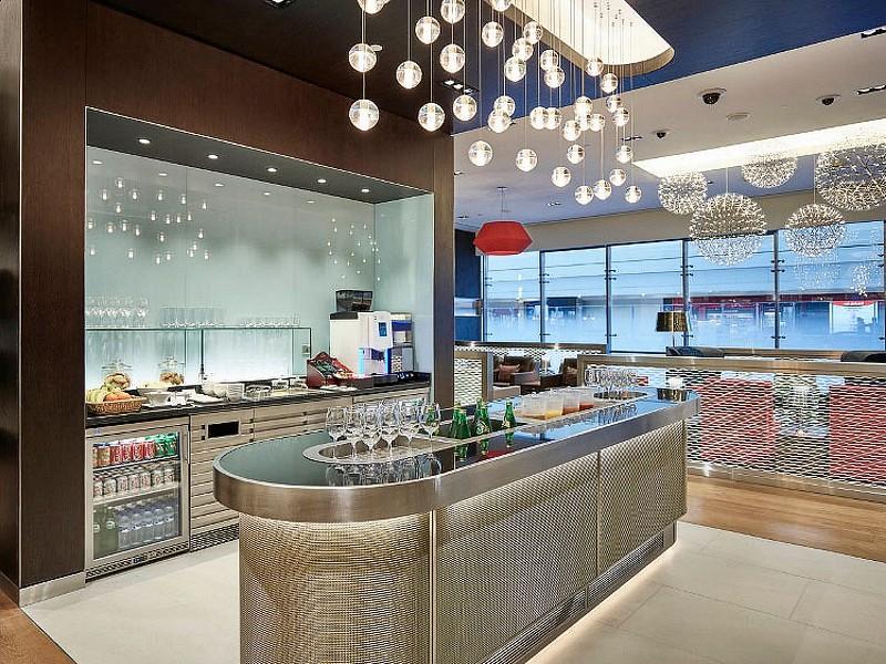 british airways dubai lounge
