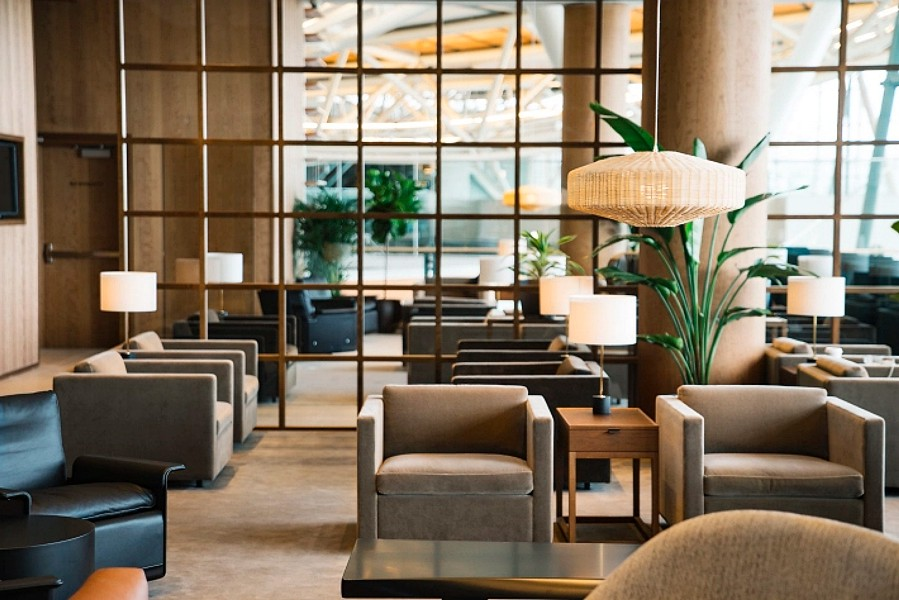 cathay pacific vancouver lounge