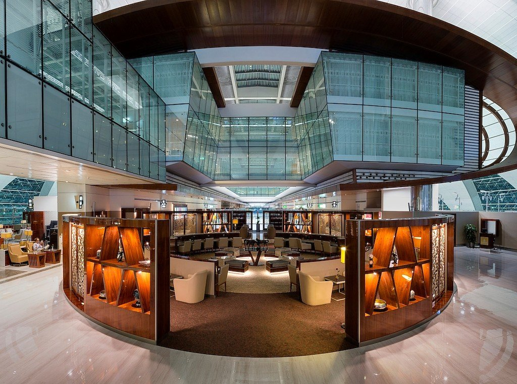 emirates lounge dubai