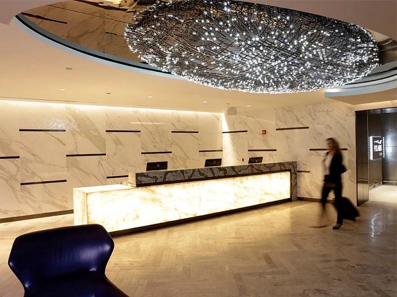 united chicago business lounge polaris