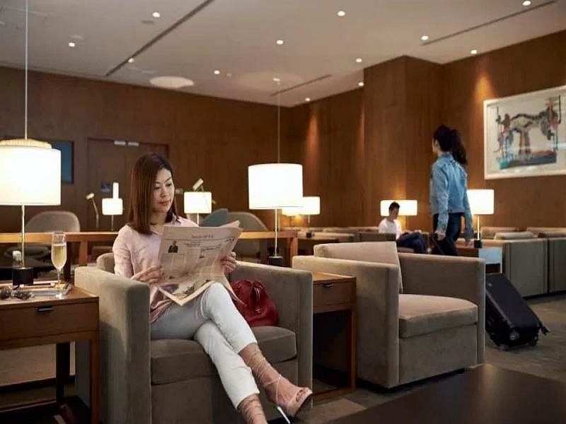 cathay pacific singapore lounge 4