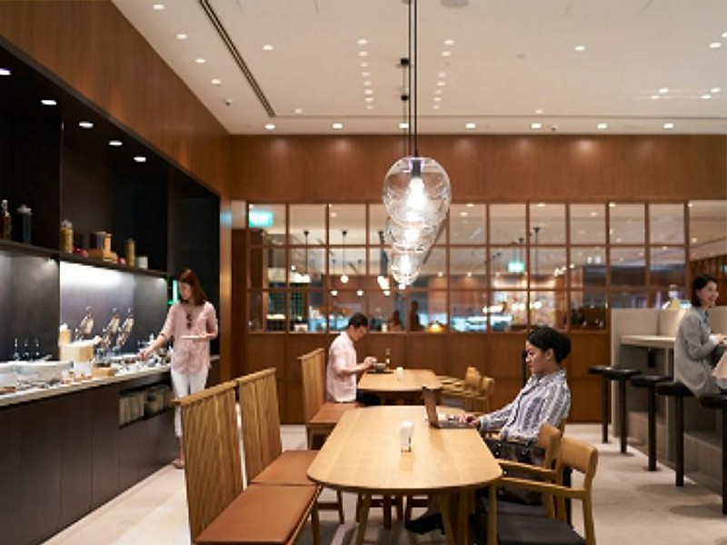 cathay pacific singapore lounge 5