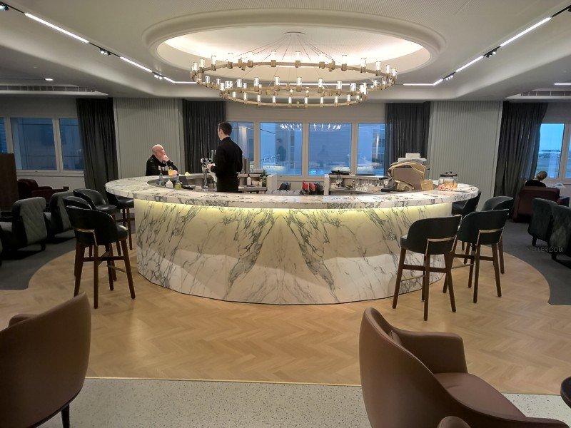 qantas london lounge heathrow Qantas London Lounge