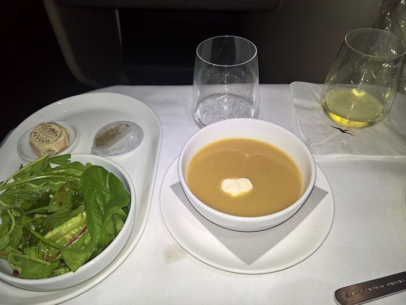 Qantas inflight meal Business Class LHR-PER 787 Sept 2018
