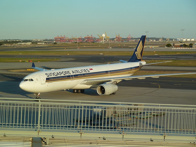 singapore airlines canberra wellington